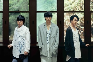 RADWIMPS_artist-photo_small.jpg